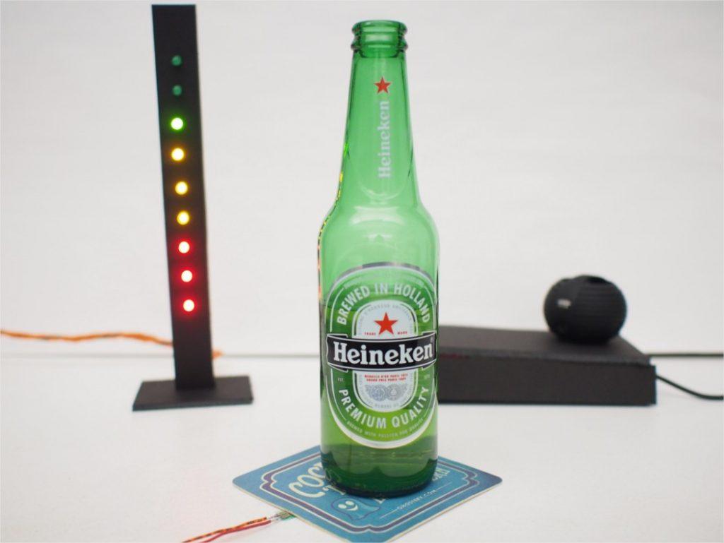 biere-connect%C3%A9-serveur-1024x769 Notre Veille : Une bière connectée qui avertit le serveur quand elle est presque terminée !