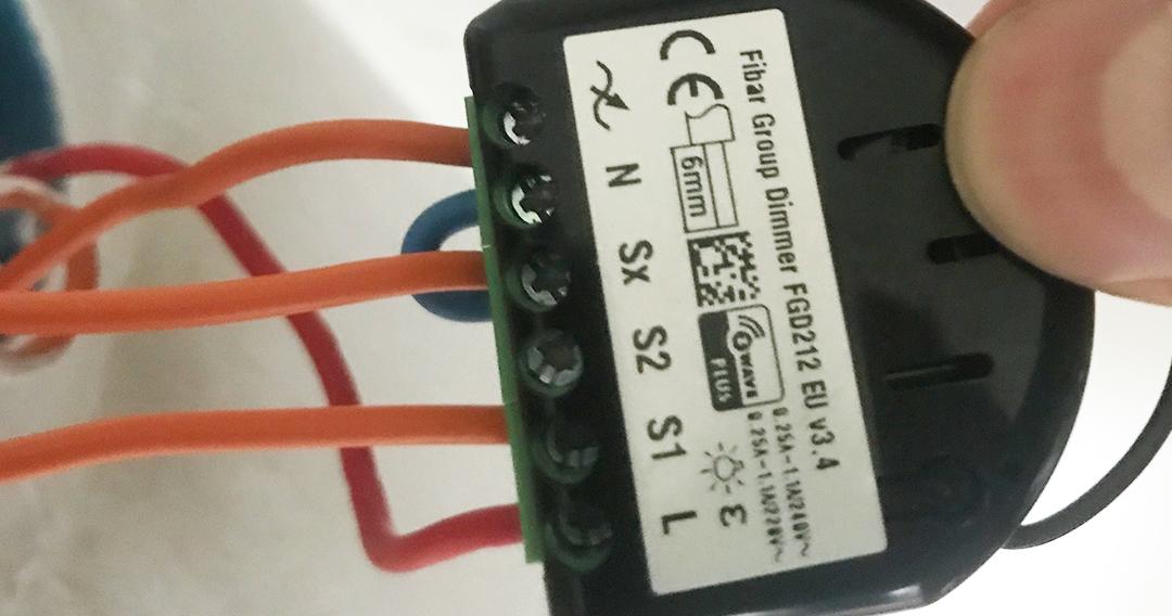 dimmer-fibaro-domotique-smarthome-fgd212