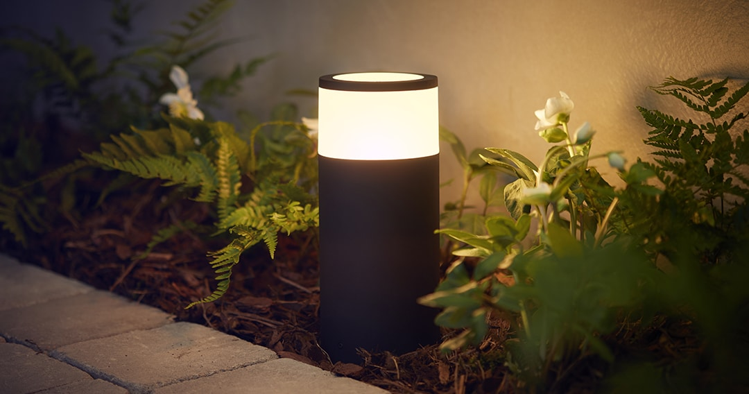 philips-hue-outdoor-light