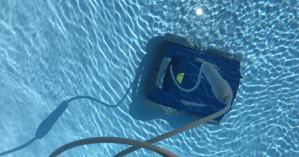 test-zodiac-robot-piscine-nettoyage-domotique-smarthome-rv5480iq-fond