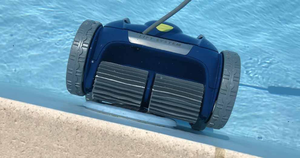 test-zodiac-robot-piscine-nettoyage-domotique-smarthome-rv5480iq-ligne-eau