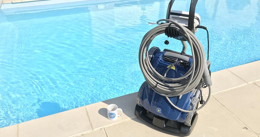test-zodiac-robot-piscine-nettoyage-domotique-smarthome-rv5480iq-robot-sur-support