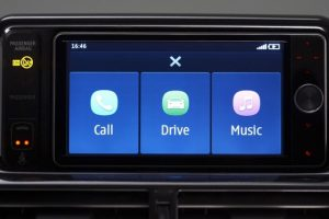amazon-alexa-car-voiture-iot-smarthome-domotique