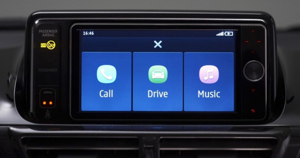 amazon-alexa-car-voiture-iot-smarthome-domotique