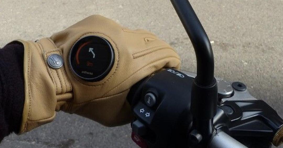 ontracks-gps-moto-iot-montre-velo-gants-guidage-ces-2019