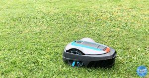 Test du robot tondeuse connecté Gardena Sileno City 500, un robot silencieux et performant